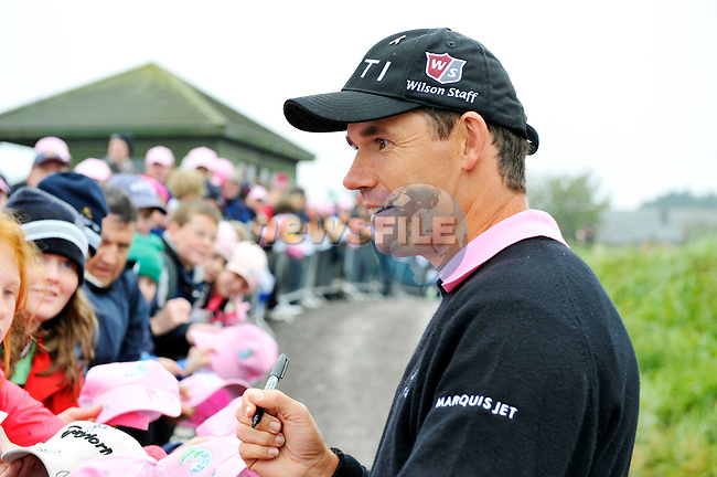 Padraig Harrington signs autographs for his many fans after finishing his play during Round 2 of the 3 Irish Open on 15th May 2009 (Photo by Eoin Clarke/GOLFFILE)