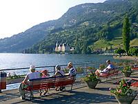 Schweiz, Kanton Luzern, Vitznau: Promenade, im Hintergrund Park Hotel Vitznau | Switzerland, Canton Lucerne, Vitznau: Promenade, background Park Hotel Vitznau