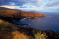 Sweetheart rock moonrise. Puu Pehe, Lanai