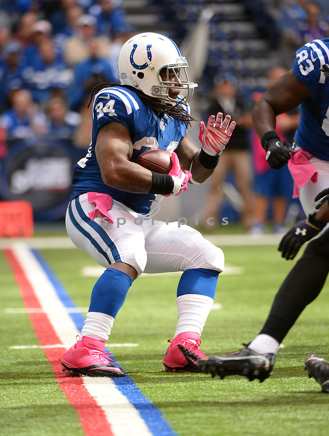 Indianapolis Colts Trent Richardson (34) during a game against the Baltimore Ravens on October 5, 2014 at Lucas Oil Stadium in Indianapolis, IN. The Colts beat the Ravens 20-13.