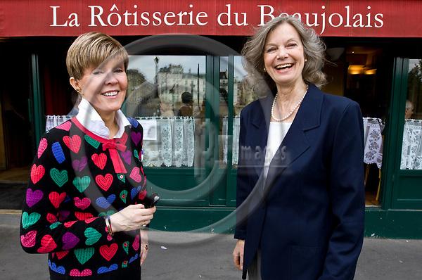 """PARIS - FRANCE - 08 MAY 2011 -- Paris travel city photos. -- Helena PETAISTO (Petäistö) correspondent of the Finnish TV MTV3 with Tarja RASANEN (Räsänen) the mother of the owner of the restaurants """"La Rotisserie Du Beaujolais"""" and the world famous """"Tour d'Argent""""-- PHOTO: Juha ROININEN / EUP-IMAGES"""