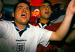 WORLD CUP 1998, ENGLAND FANS WATCH ENGLAND BEAT COLUMBIA TWO GOALS TO NIL ON 26TH JUNE 1998, 1998