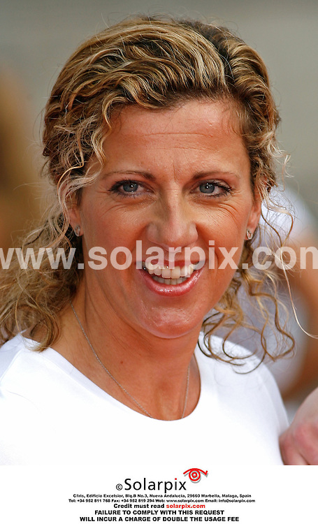 ALL ROUND PICTURES FROM SOARPIX.COM. MUST CREDIT SOLARPIX.COM OR DOUBLE FEE INCURRED.Today in Trafalgar square in London the launch of sport relief 2006 campaign with a host of sports and tv celebrities to help the launch..This pic:Sally Gunnell..DATE:03.05.06-JOB REF:2299-PRS