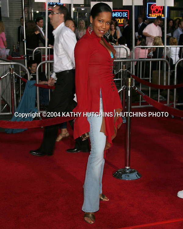 """©2004 KATHY HUTCHINS /HUTCHINS PHOTO.PREMIERE OF """"COLLATERAL"""".ORPHEUM THEATER, DOWNTOWN LA.LOS ANGELES, CA.AUG 2, 2004..REGINA KING"""