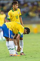 BELO HORIZONTE, MG, 26 JUNHO 2013 - COPA DAS CONFEDERACOES -  BRASIL X URUGUAI -  Hulk e Neymar, jogadores da Seleção Brasileira em lance durante partida contra o Uruguai, jogo válido pelas Semi-finais da competição, no Estadio Mineirao em Belo Horizonte, Minas Gerais nesta Quarta, 26 (FOTO: NEREU JR / BRAZIL PHOTO PRESS).