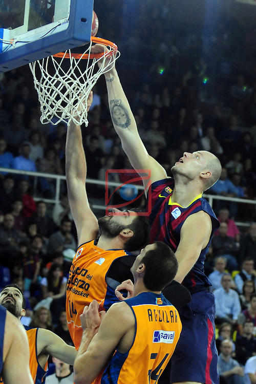 League ACB-Endesa 2014/2015 - Game: 07.<br /> FC Barcelona vs Valencia Basket Club: 76-57.<br /> Dubljevic, Lampe &amp; Aguilar.