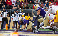 Andre Baccellia recovers a fumble in the end zone for Washington's second touchdown.