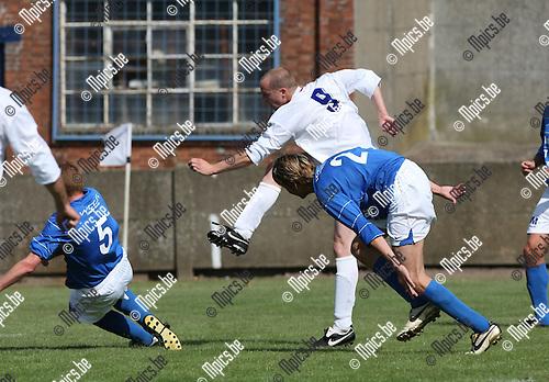 2009-08-30 / Voetbal / seizoen 2009-2010 / AC Olen - Vosselaar / Jef Van Asbroeck scoort hier voor Olen..Foto: Maarten Straetemans (SMB)