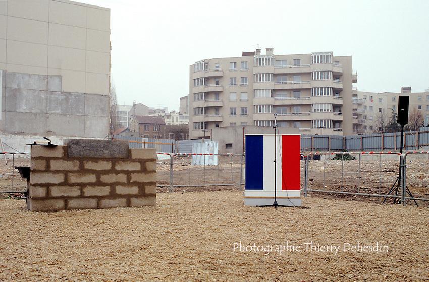 1989-1994; Issy Les Moulineaux; Centre Ville, Première pierre Médiathèque