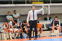 MEDELLIN - COLOMBIA- 25-09-2016: Diego Giustozzi (ARG) técnico de Argentina gesticula durante el encuentro de cuartos de final con Egipto por la Copa Mundial de Futsal de la FIFA Colombia 2016 jugado en el Coliseo Ivan de Bedout en Medellín, Colombia. /  Diego Giustozzi (ARG) coach of Argentina gestures during match against Egypt of the quarter finals of the FIFA Futsal World Cup Colombia 2016 played at Ivan de Bedout coliseum in Medellin, Colombia. Photo: VizzorImage / Leon Monsalve /
