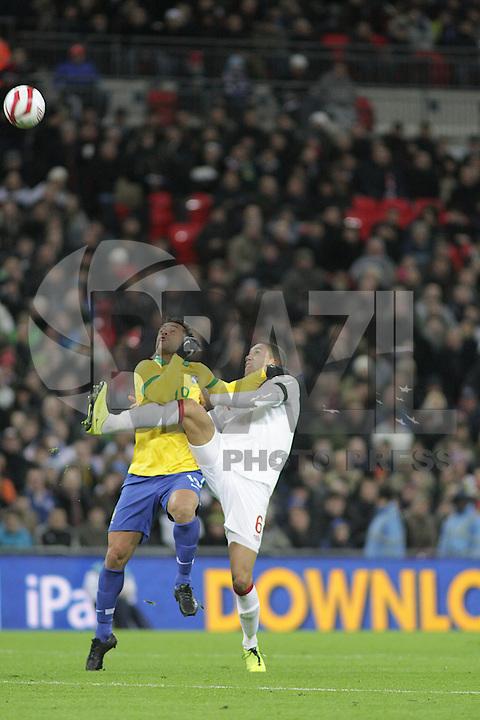 LONDRES, INGLATERRA, 06 DE FEVEREIRO 2013 - AMISOTOSO INGLATERRA X BRASIL - lance.em partida amistosa entre Inglaterra x Brasil realizada no Estádio de Wembley, em Londres, Inglaterra, nesta quarta-feira. FOTO: GUILHERME ALMEIDA - BRAZIL PHOTO PRESS..