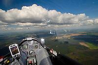 Cockpit ASH 26: EUROPA, DEUTSCHLAND, MECKLENBURG- VORPOMMERN, (EUROPE, GERMANY), 26.04.2008:Segelflugzeug Cockpit ueber Mecklenburg Vorpommern, Cumulus, Schoenes Wetter, Aufwind-Luftbilder, Luftbild, Luftaufname, Luftansicht.c o p y r i g h t : A U F W I N D - L U F T B I L D E R . de.G e r t r u d - B a e u m e r - S t i e g 1 0 2, .2 1 0 3 5 H a m b u r g , G e r m a n y.P h o n e + 4 9 (0) 1 7 1 - 6 8 6 6 0 6 9 .E m a i l H w e i 1 @ a o l . c o m.w w w . a u f w i n d - l u f t b i l d e r . d e.K o n t o : P o s t b a n k H a m b u r g .B l z : 2 0 0 1 0 0 2 0 .K o n t o : 5 8 3 6 5 7 2 0 9.C o p y r i g h t n u r f u e r j o u r n a l i s t i s c h Z w e c k e, keine P e r s o e n l i c h ke i t s r e c h t e v o r h a n d e n, V e r o e f f e n t l i c h u n g  n u r  m i t  H o n o r a r  n a c h M F M, N a m e n s n e n n u n g  u n d B e l e g e x e m p l a r !.