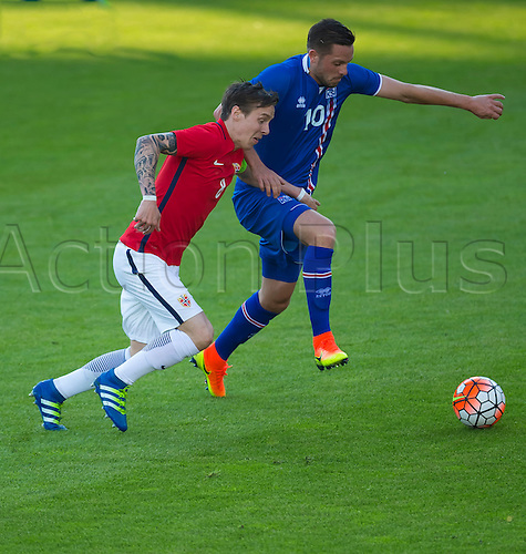 01.06.2016  Ullevaal Stadion, Oslo, Norway. Stefan Johansen of Norway  battles with  Gylfi Por Sigurosson of Iceland for the ball during  the International Football Friendly  match between Norway versus Iceland at Ullevaal Stadion in Oslo, Norway.