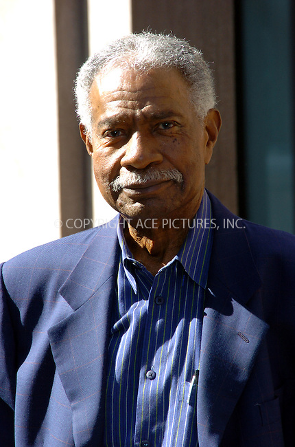 Actor Ossie Davis  attended a reading of the United States Constitution at the Great Hall of the Cooper Union organised by the People for the American Way Foundation. New York City. September 1 2004. Please byline: AJ SOKALNER/ACEPIXS.com..*PAY-PER-USE*....IMPORTANT: Please note that our old trade name New York Photo Press has changed to ACE Pictures. New York Photo Press and ACE Pictures are both owned by All Celebrity Entertainment, Inc.......All Celebrity Entertainment, Inc..Contact: Alecsey Boldeskul, (646) 267 6913..Philip vaughan, (646) 769 0430..e-mail: info@acepixs.com..Philip.Vaughan@acepixs.com