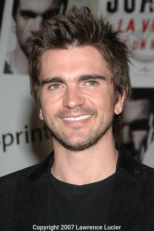 "Recording artist Juanes announces the release of his new album ""La Vida.. Es Un Ratico"" October 22, 2007, at Universal Music headquarters in New York City.. (Pictured : JUANES)."