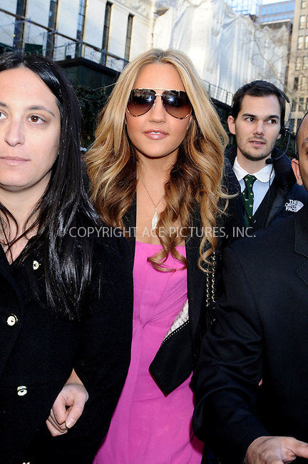 WWW.ACEPIXS.COM . . . . .  ....February 13, 2009. New York City.....Actress Amanda Bynes attends the Mercedes Benz Fashion Week shows held at Bryant Park on February 13, 2009 in New York City.......Please byline: AJ Sokalner - ACEPIXS.COM.... *** ***..Ace Pictures, Inc:  ..Philip Vaughan (646) 769 0430..e-mail: info@acepixs.com..web: http://www.acepixs.com