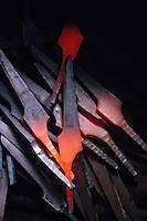 Europe/France/Auverne/63/Puy-de-Dôme/Parc Naturel Régional du Livradois-Forez/Env. de Thiers: Forge et Martinet où sont étirées les soies d'acier qui serviront à forger les lames des couteaux de Thiers - Détail des soies après étirage