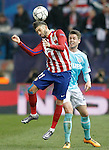 Atletico de Madrid's Yannick Carrasco (l) and PSV Eindhoven's  Marco Van Ginkel during UEFA Champions League match. March 15,2016. (ALTERPHOTOS/Acero)