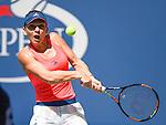 Simona Halep (ROU) defeated Kirsten Flipkens (BEL) 6-0, 6-2