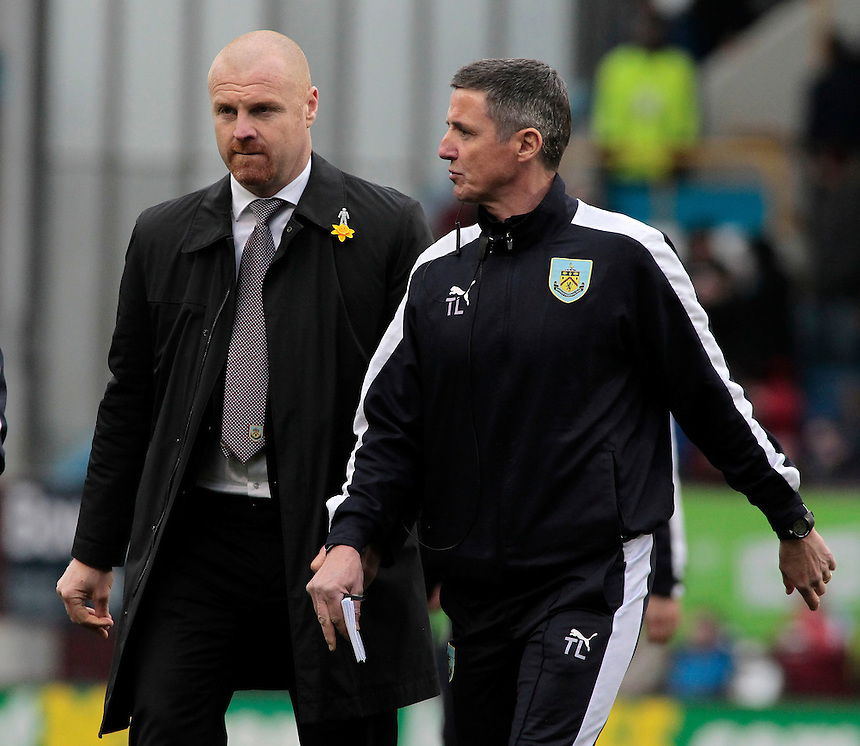 Burnley manager Sean Dyche  talks with Burnley's First Team Coach Tony Loughlan at the end of the first half<br /> <br /> Photographer David Shipman/CameraSport<br /> <br /> Football - The Football League Sky Bet Championship - Burnley v Wolverhampton Wanderers - Saturday 19th March 2016 - Turf Moor - Burnley<br /> <br /> &copy; CameraSport - 43 Linden Ave. Countesthorpe. Leicester. England. LE8 5PG - Tel: +44 (0) 116 277 4147 - admin@camerasport.com - www.camerasport.com
