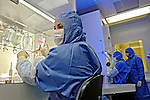 Laboratório de terapia nutricional em empresa de bio-tecnologia. Rio de Janeiro. 2006. Foto de Rogério Reis.