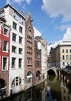Gracht in de binnenstad van Utrecht