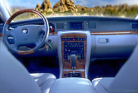 Kia, Auto Interior, Burl Wood Dash, Console, Bucket Seats, Gear Shift