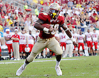 TALLAHASSEE, FL 10/31/09-FSU-NCST FB09 CH21-Florida State's Jermaine Thomas makes a move for the endzone and the Seminole's first touchdown against N.C. State during first half action Saturday at Doak Campbell Stadium in Tallahassee. .COLIN HACKLEY PHOTO