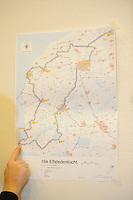 SCHAATSEN: LEEUWARDEN: Persconferentie Koninklijke Vereniging De Friesche Elf Steden, 06-02-2012, Landkaart Friesland met de Elf Steden, ©foto: Martin de Jong