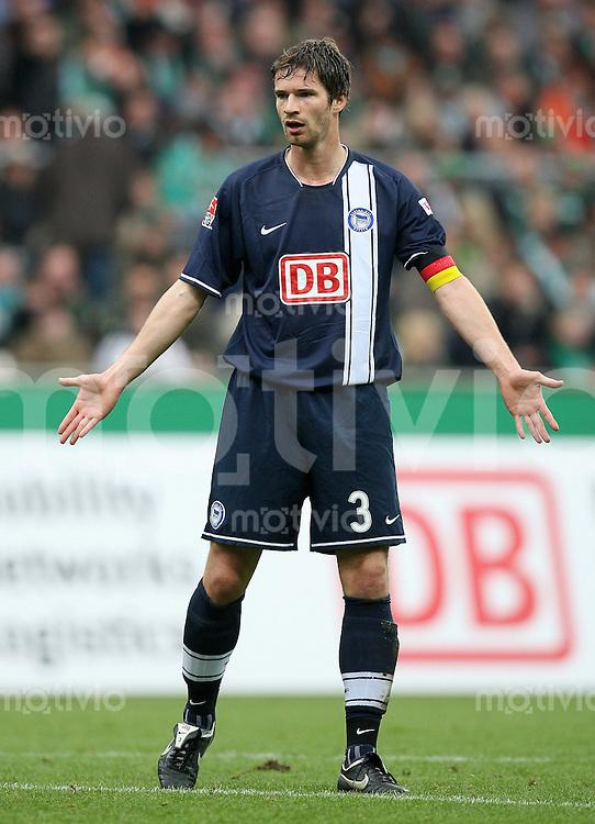 FUSSBALL   1. BUNDESLIGA   SAISON 2007/2008 Arne FRIEDRICH (Hertha BSC Berlin)
