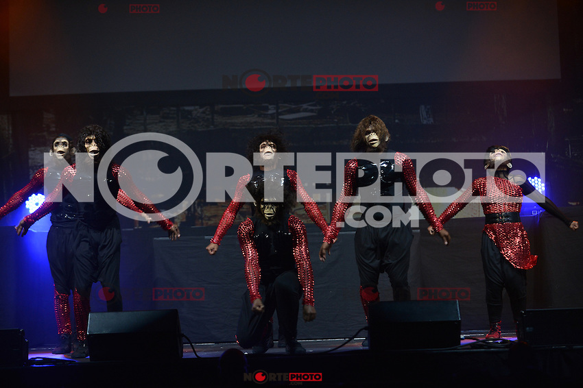 MIAMI, FL - AUGUST 31: Dance crew Jungle Boogie performs during Scream Tour with the Next Generation Pt. 2 at James L Knight Center on August 31, 2012 in Miami, Florida. (photo by: MPI10/MediaPunch Inc.) /NortePhoto.com<br /> <br /> **CREDITO*OBLIGATORIO**<br /> *No*Venta*A*Terceros*<br /> *No*Sale*So*third*<br /> *** No Se Permite Hacer Archivo**