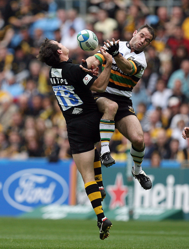 Photo: Rich Eaton...Northampton Saints v London Wasps. Heineken Cup, Semi Final. 22/04/2007.  Fraser Waters left of Wasps and Mark Robinson jump for a high ball