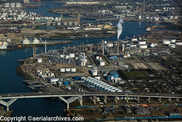 aerial photograph of the Shell Deer Park Refinery, Sidney Sherman bridge and interstate I-610, Port of Houston, Pasadena, Texas
