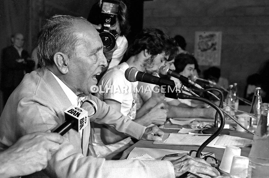 Pessoa. Personalidade. Luis Carlos Prestes, debate no Sindicato dos Bancários. SP. 1983. Foto de Juca Martins.