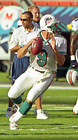 Jay Fiedler in action as the Jets defeated the Dolphins 20-3 in Miami , FL on November 19, 2000. (Photo by Brian Cleary / www.bcpix.com)