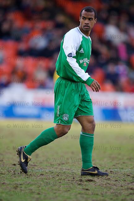 Thomas Sowunmi, Hibs.stock season 2006-2007.pic willie vass