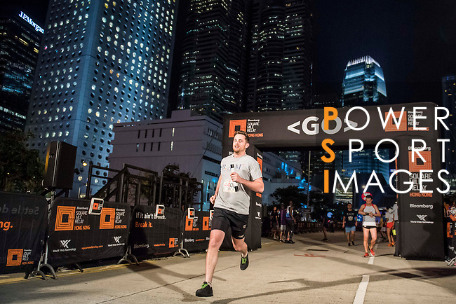 Runners compete at the Bloomberg Square Mile Relay on 9th November 2017 in Hong Kong's Central district, China. Photo by Victor Fraile / Power Sport Images