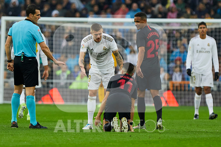 Toni Kroos of Real Madrid and Munir El Haddadi of Sevilla FC during La Liga match between Real Madrid and Sevilla FC at Santiago Bernabeu Stadium in Madrid, Spain. January 18, 2020. (ALTERPHOTOS/A. Perez Meca)