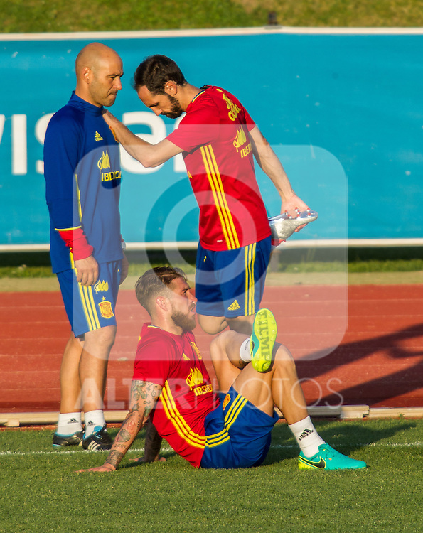 Spain's Juanfran torres and Sergio Ramos during the first training of the concentration of national soccer team before the Uefa Euro 2016.  Jun 4,2016. (ALTERPHOTOS/Rodrigo Jimenez)