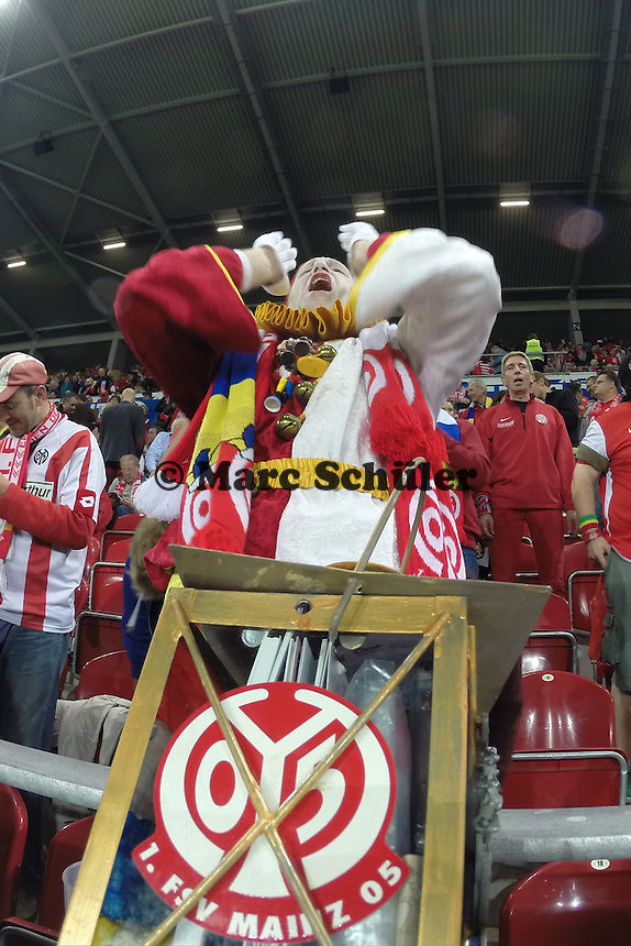 Mainzer Fans feuern ihr Team an - 1. FSV Mainz 05 vs. TSG 1899 Hoffenheim, Coface Arena
