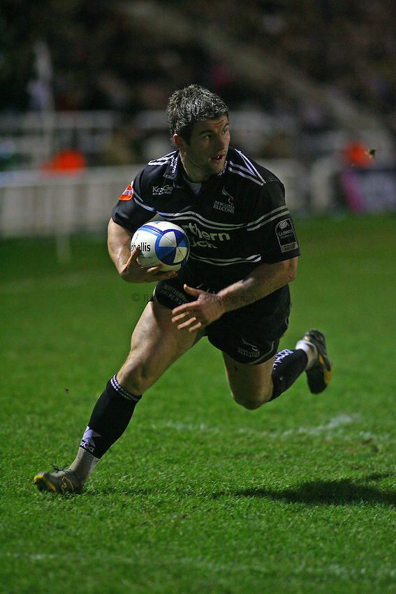 Photo: Andrew Unwin..Newcastle Falcons v Montauban. European Challenge Cup. 17/12/2006..Newcastle Falcons' Tom May runs in a try.