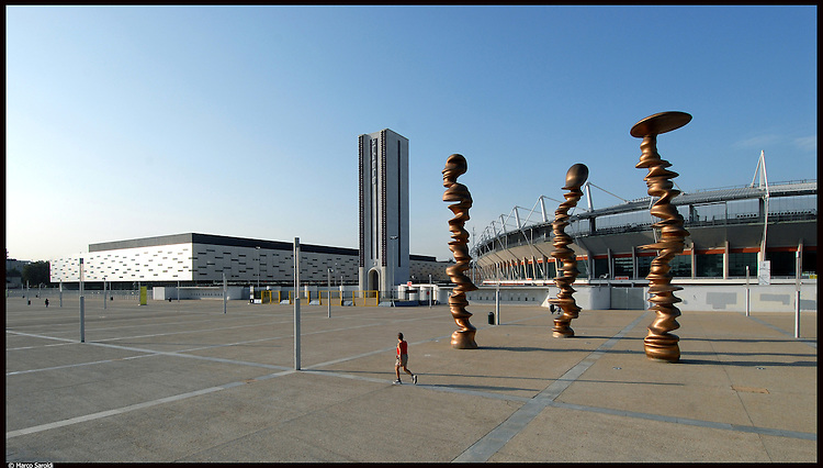 La piazza e lo stadio olimpico a Torino...The olympic square and the olympic stadium in Torino...June 2007...Ph. Marco Saroldi/Pho-to.it