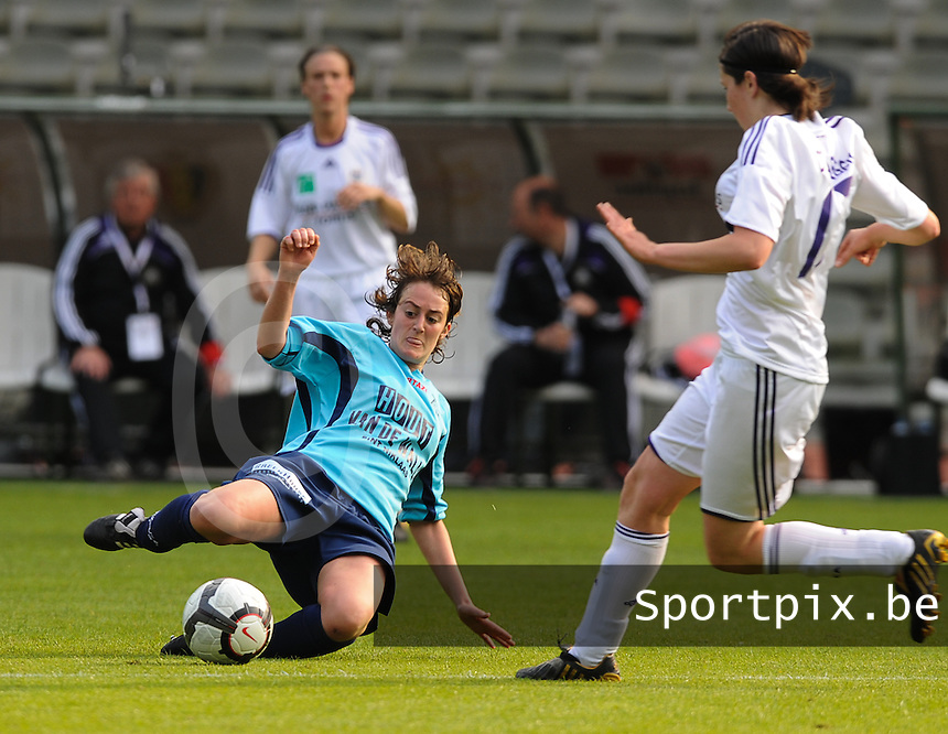 15 Mei 2010 Bekerfinale vrouwen : Sinaai Girls - RSC Anderlecht  : Sofie Lefebvre.foto DAVID CATRY / Vrouwenteam.be