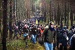 © Hughes Léglise-Bataille/Wostok Press.Allemagne, Harlingen.07.11.2010.Plusieurs milliers de personnes ont organise des actions de blocage autour de la ville de Harlingen (Allemagne) le 07/11/2010 contre le transport de dechets nucleaires CASTOR. De nombreux groupes ont erige des barricades dans les forets entourant la voie ferree ou ont occupe les voies, tandis que d'autres bloquaient les routes, notamment avec des tracteurs...Thousands of people organized blockade actions near the city of Dannenberg (Germany) on November 07, 2010 against the nuclear waste transportation CASTOR. Numerous groups erected barricades in th forests surrounding the railway or occupied the tracks, while others blocked the roads, often with tractors.