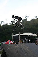 SANTANA DE PARNAIBA-SP, 14 DE JULHO DE 2012, III SKATE NA VELOCIDADE DOWN HILL- Prefeitura de Santana de Parnaiba realiza o III Skate na velocidade, com a presença de diversos competidores de todas as regioes do Brasil, na regiao oeste da grande Sao Paulo. FOTO: DENIS OLIVEIRA / BRAZIL PHOTO PRESS.