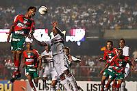 ATENÇÃO EDITOR: FOTO EMBARGADA PARA VEÍCULOS INTERNACIONAIS SÃO PAULO,SP,15 SETEMBRO 2012 - CAMPEONATO BRASILEIRO - SÃO PAULO x PORTUGUESA - jogador da Portuguesa   durante partida São Paulo x Portuguesa  válido pela 25º rodada do Campeonato Brasileiro no Estádio Cicero Pompeu de Toledo  (Morumbi), na região sul da capital paulista na noite deste sabado (15). (FOTO: ALE VIANNA -BRAZIL PHOTO PRESS).