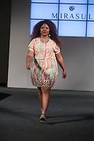 SÃO PAULO, SP, 24.07.2016 - MODA-SP - Desfile da marca Mirasul durante o 14 Fashion Weekend Plus Size que acontece neste domingo, 24 no Centro de Convenções Frei Caneca.(Foto: Ciça Neder/Brazil Photo Press)