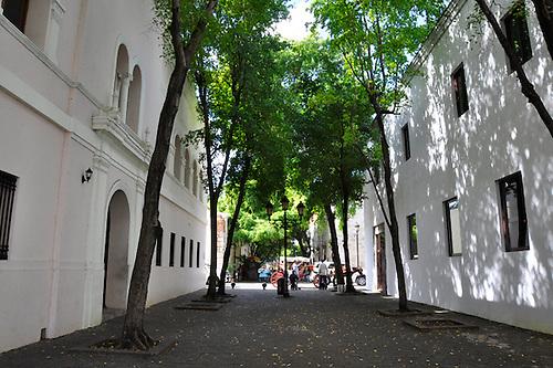 Calle El Conde, Ciudad Colonial, Santo Domingo, República Dominicana.