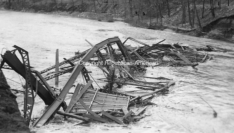 wrecked bridge in Waterbury during the flood of 1924.
