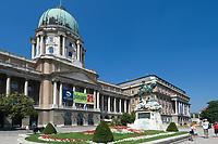 HUN, Ungarn, Budapest, Budaer Burgberg, Burgviertel: Budaer Burgpalast, Ungarische Nationalgalerie   HUN, Hungary, Budapest, Castle District: Royal Palace with Hungarian National Gallery